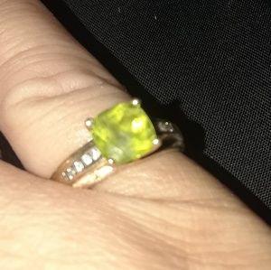 Jewelry - Peridot Ring